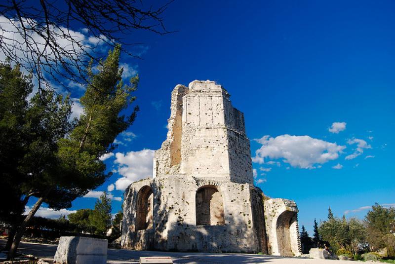 La tour magne monument nimes - Tour magne nimes ...