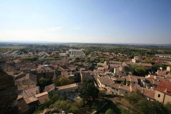discover-the-city-of-enclaves-and-valreas-pope