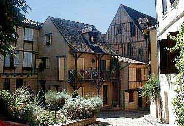 sightseeing discover bergerac and its surroundings bergerac