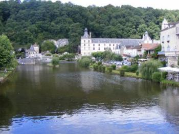 visit-the-city-of-brantome