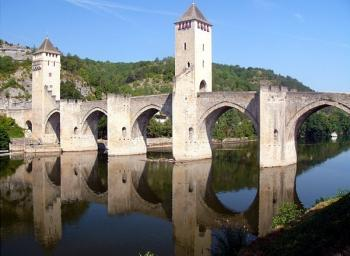 cahors-town-of-water-history-and-wine