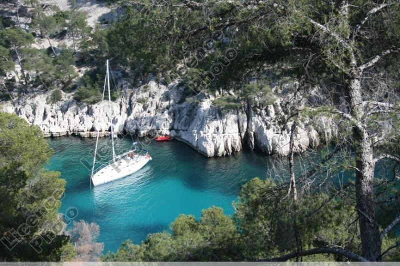 the-creeks-of-cassis-by-boat