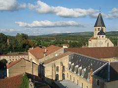 visit-cluny