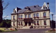 visit-the-monuments-in-creil