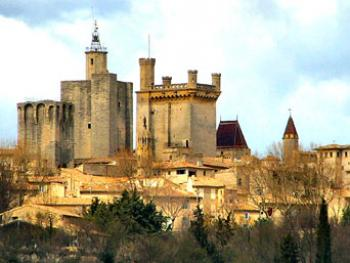 the-town-of-uzes