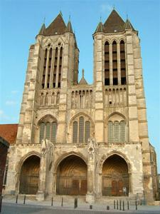 discover-the-cathedral-of-notre-dame-of-noyon