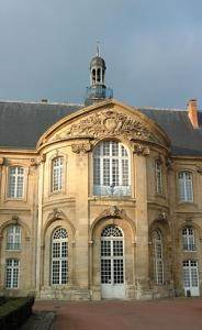 tour-ends-at-soissons-town-of-artistic-historic-interest