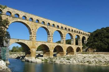 discovery-of-the-aqueduct-and-the-pont-du-gard