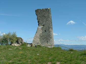 visit-the-leaning-tower-of-soyons-the-saint-john-s